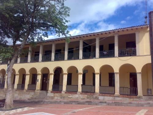 Parque natural la chorrera choach cundinamarca - Casa de cultura ignacio aldecoa ...